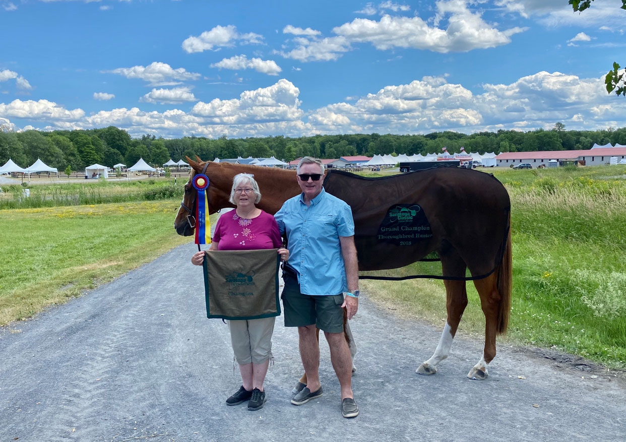 Thoroughbred Hunter Navy Guard Finds Smooth Sailing In The Take 2 Division The Plaid Horse Magazine